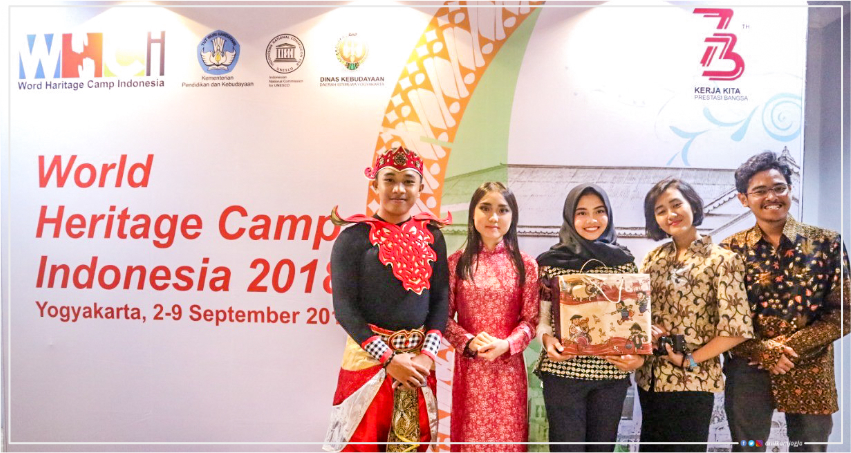 Mahasiswa Ilmu Komunikasi Universitas Amikom Yogyakarta menjadi delegasi Indonesia dalam World Heritage Camp Indonesia