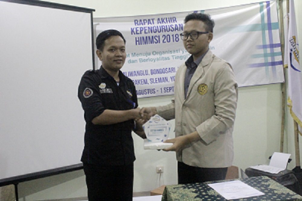 Rapat Akhir Kepengurusan (RAK) HIMMSI Universitas AMIKOM Yogyakarta ke-X Periode 2017/2018