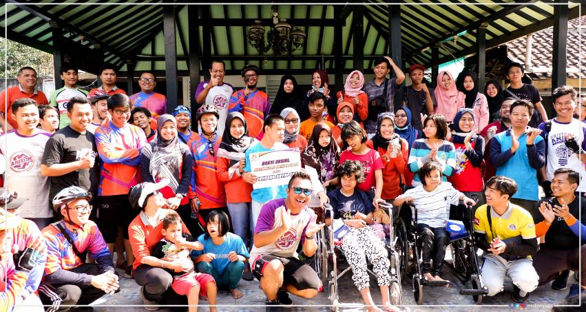 Fun Bike dan Bakti Sosial Dies Natalis Amikom ke 24