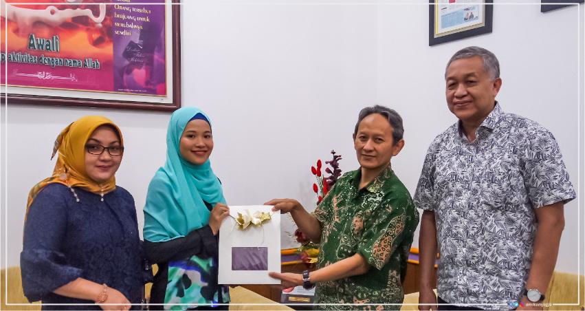 Mahasiswi Pasca Sarjana Universitas Amikom Yogyakarta mengikuti pertukaran pelajar di University of Murcia Spanyol