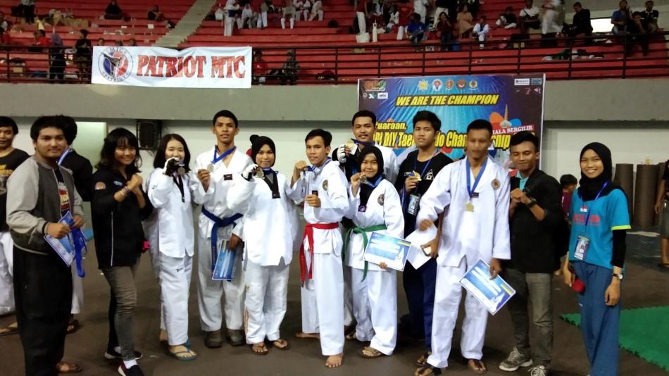 Taekwondo Amikom Raih 14 Medali di AMPI DIY Championship 2019
