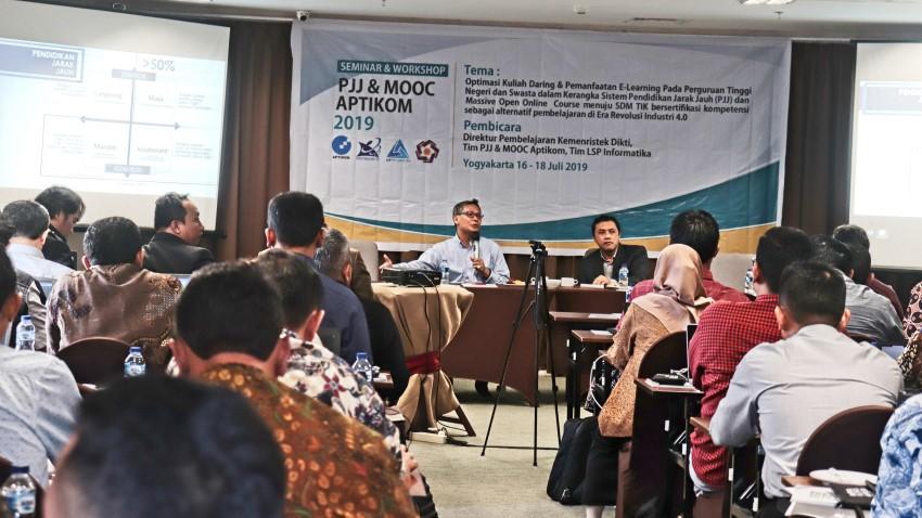 Seminar dan Workshop Pendidikan Jarak Jauh dan Massive Open Online Course 2019