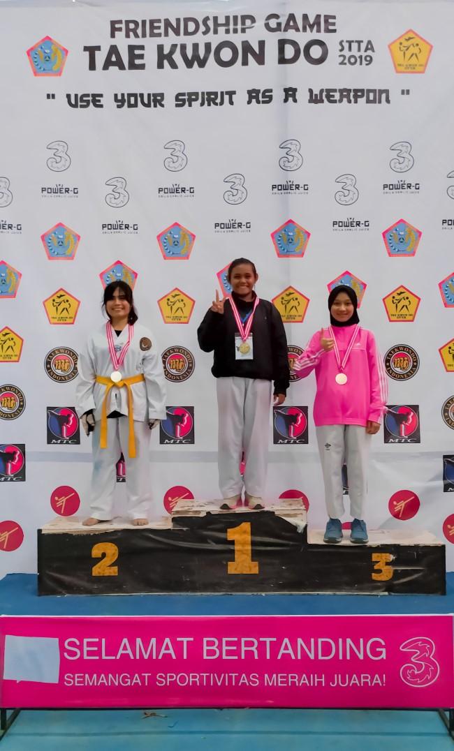 Taekwondo AMIKOM berhasil menyabet 10 mendali dikejuaraan Friendhsip Game Taekwondo STTA 2019