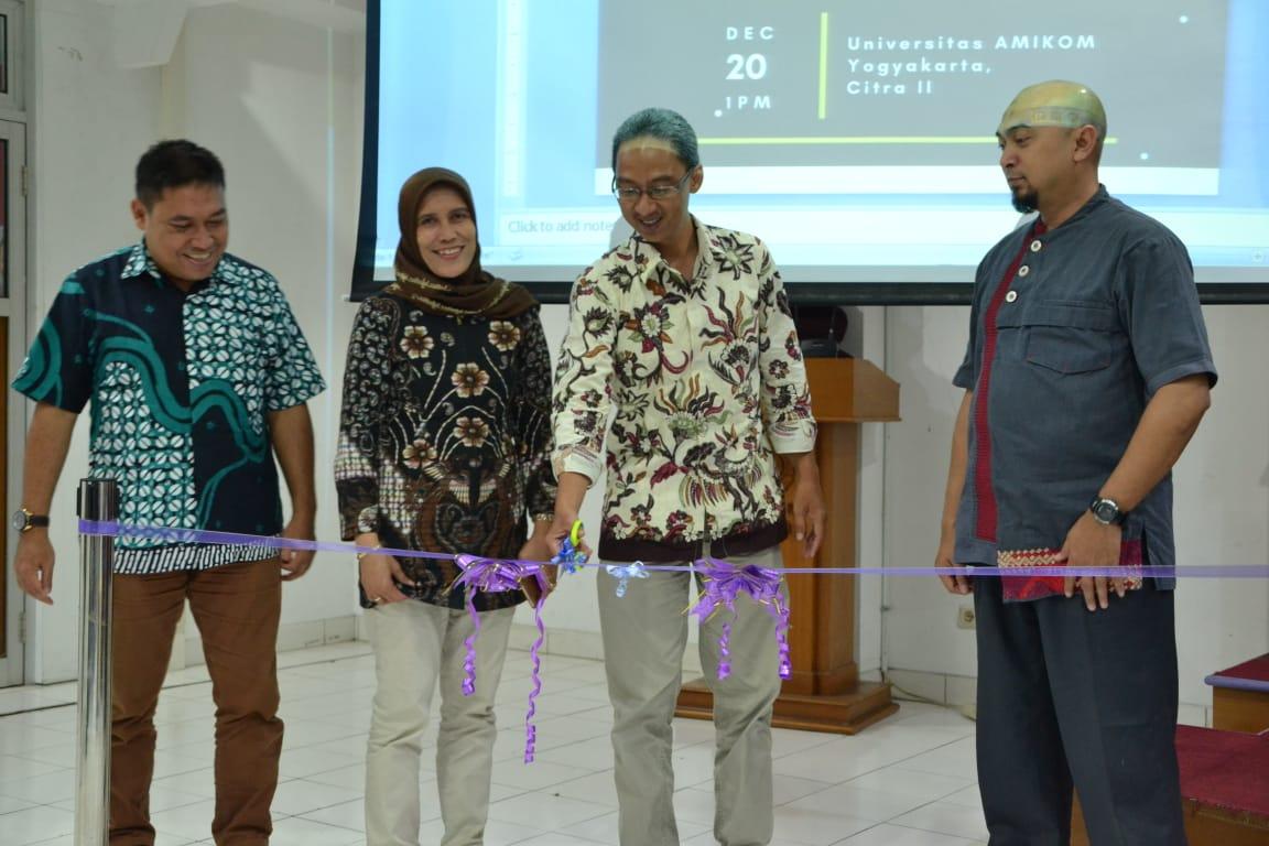 Acara Launching AMIKOM CENTER & LSP Universitas AMIKOM Yogyakarta + Diskusi Panel : Life Career & Kompetensi yang dibutuhkan untuk beradaptasi di Era Revolusi Industri 4.0 dan Society 5.0